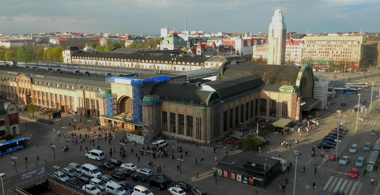 Yksi kaupungin kulmakivistä: Helsingin rautatieasema